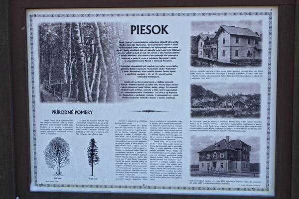 História osady Piesok (Zochova chata v pravo dole práve prekonáva rekonštrukciu a dostavbu ubytovacích kapacít)